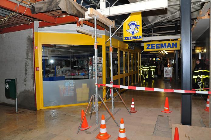 Het winkelcentrum in Waalwijk wordt momenteel aan een opknapbeurt onderworpen.