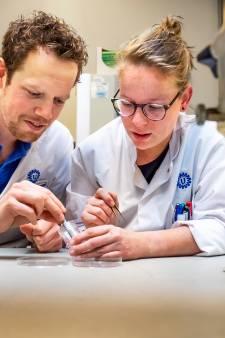 Weldoener Annie van Leerzem uit Bilthoven schenkt Universiteit Utrecht ruim één miljoen euro