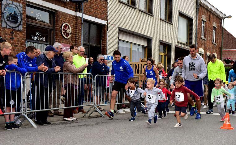 De jongste lopers liepen 250 meter
