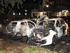 Twee auto's verwoest door brand op parkeerplaats in Culemborg