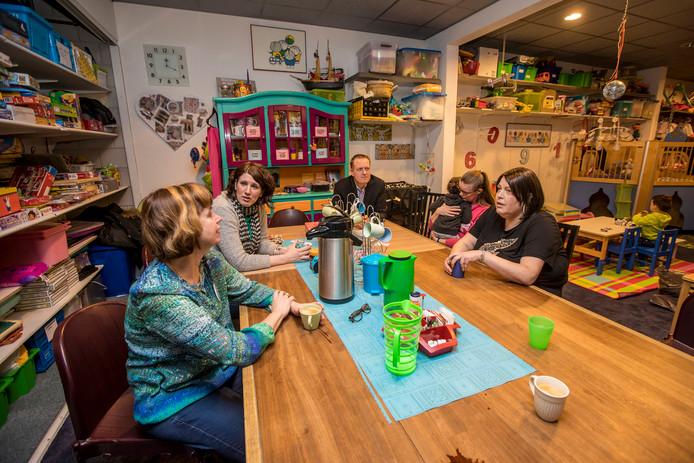 Het draait allemaal om de 'praattafel' bij JeMagErZijn 't Westland.