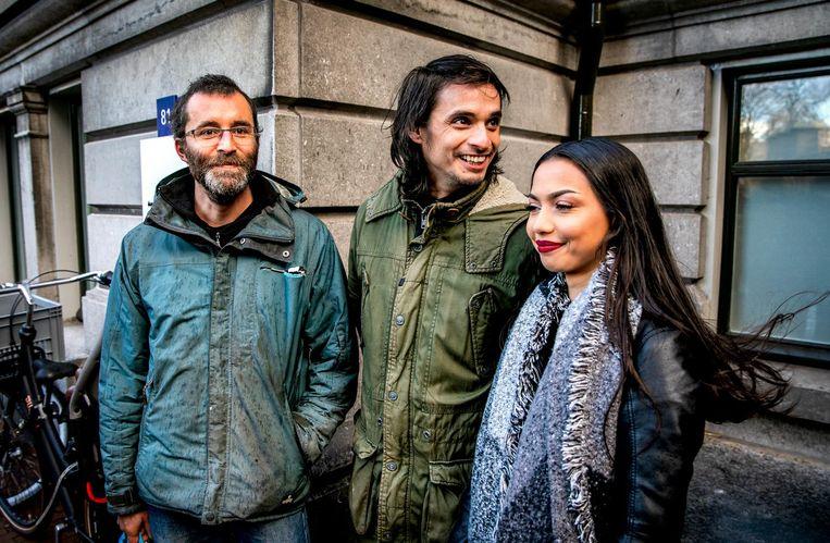 Rogier Meijerink, Michael van Zeijl en Christa Soeters voor de deur van de rechtbank. Beeld anp