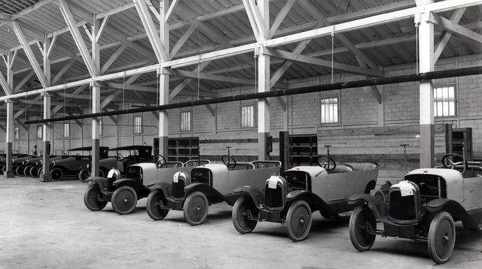 De allereerste autofabriek van Citroën in 1919 in de Parijse wijk Javel
