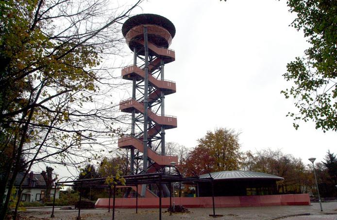 De uitkijktoren bij het transferium in Nunspeet.
