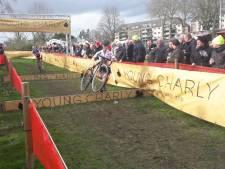 Wereldkampioene maakt favorietenrol waar in Hulst, Van Anrooij met big smile zesde.