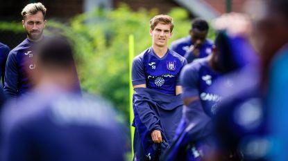 """Dewaele wil sterker terugkeren naar Anderlecht: """"Belangrijk om me te blijven ontwikkelen als middenvelder"""""""