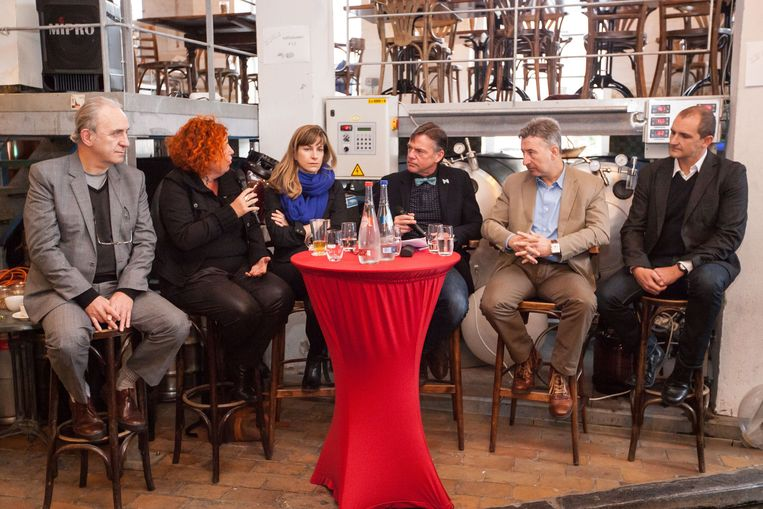 Speakers Corner met Daan Hugaert, Annemie Serlippens, Lise Tieleman, Guy Reynebeau, Danny Rijckbosch en Chris Van Gaever.