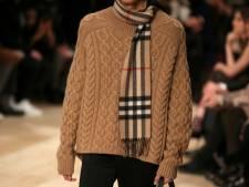 Modehuis Burberry wil rijke Chinezen aan de kleding krijgen via chatapp