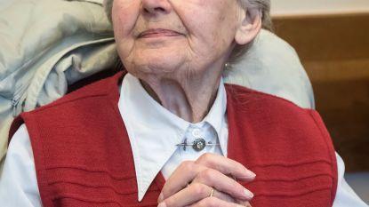 Duitse politie pakt veroordeelde nazi-oma (89) op die niet verscheen voor haar gevangenisstraf van twee jaar