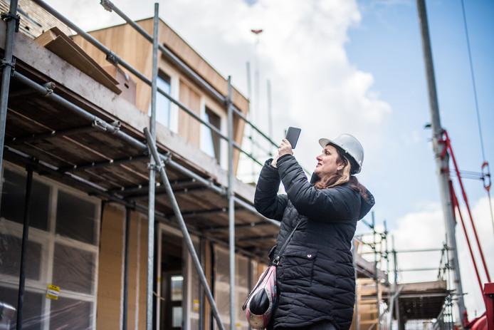 Ellen Boontjes laat een huis bouwen, maar wil geen gebruik maken van het warmtenet.