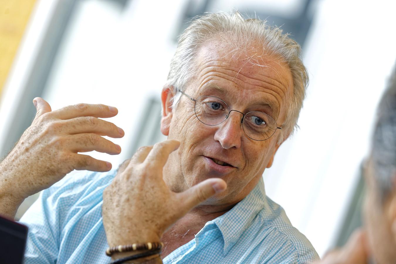 Buurtadviseur Henk de Laat van Meierijstad houdt inloopspreekuren in Schijndel.