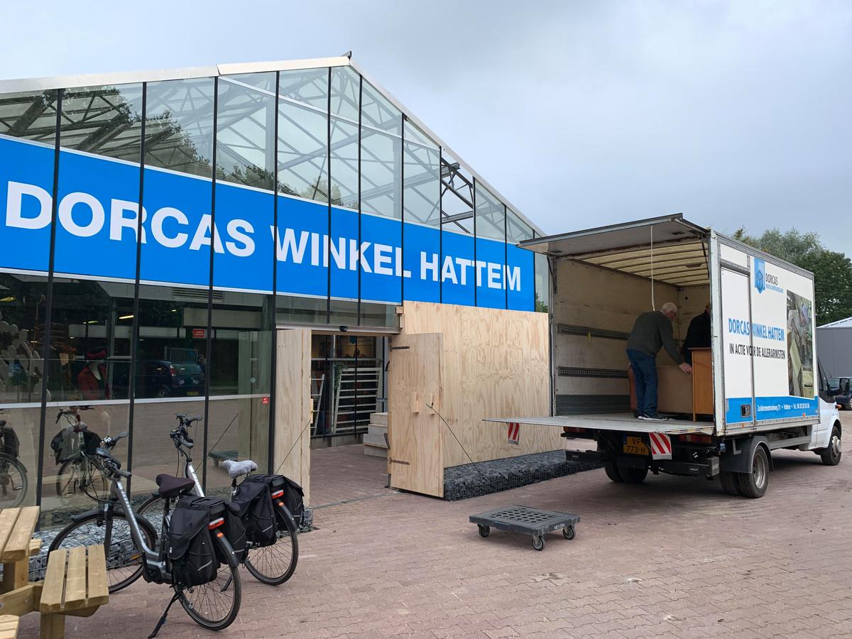 Door een noodreparatie kon de winkel van Dorcas in Hattem dinsdag de deuren weer openen.