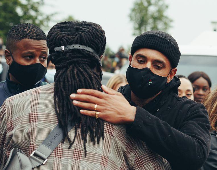 Bizzey en Akwasi tijdens het Black Lives Matter-protest in Amsterdam Zuidoost Beeld Benjamin Tapilatu