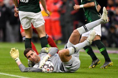 """Casteels - op de rand van terugkeer bij Wolfsburg - blikt vooruit naar match tegen Gent: """"Het wordt oppassen voor ons"""""""