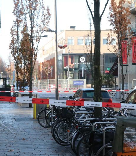 Grote Markt in Almere dicht na vondst mogelijke explosieven