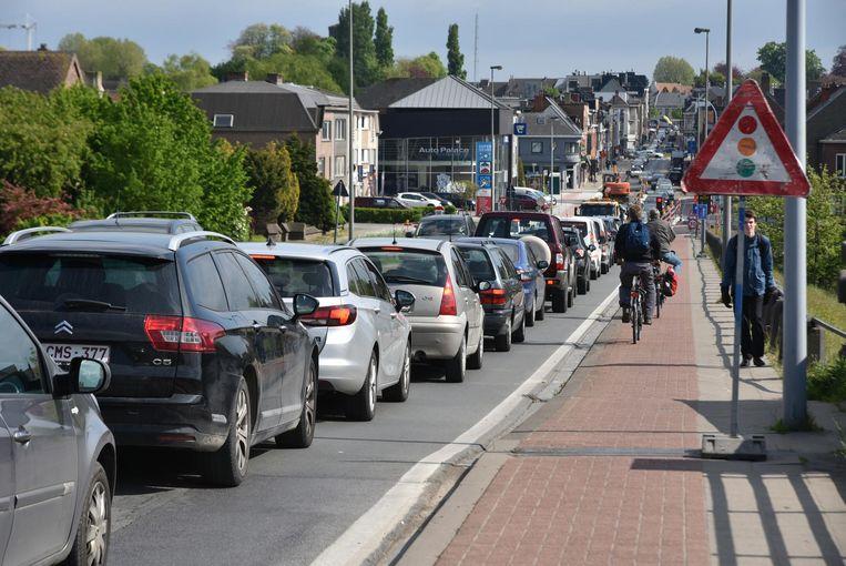 Files in de avondspits op de Scheldebrug in Wetteren: dat probleem oplossen is een topprioriteit van de meeste partijen.