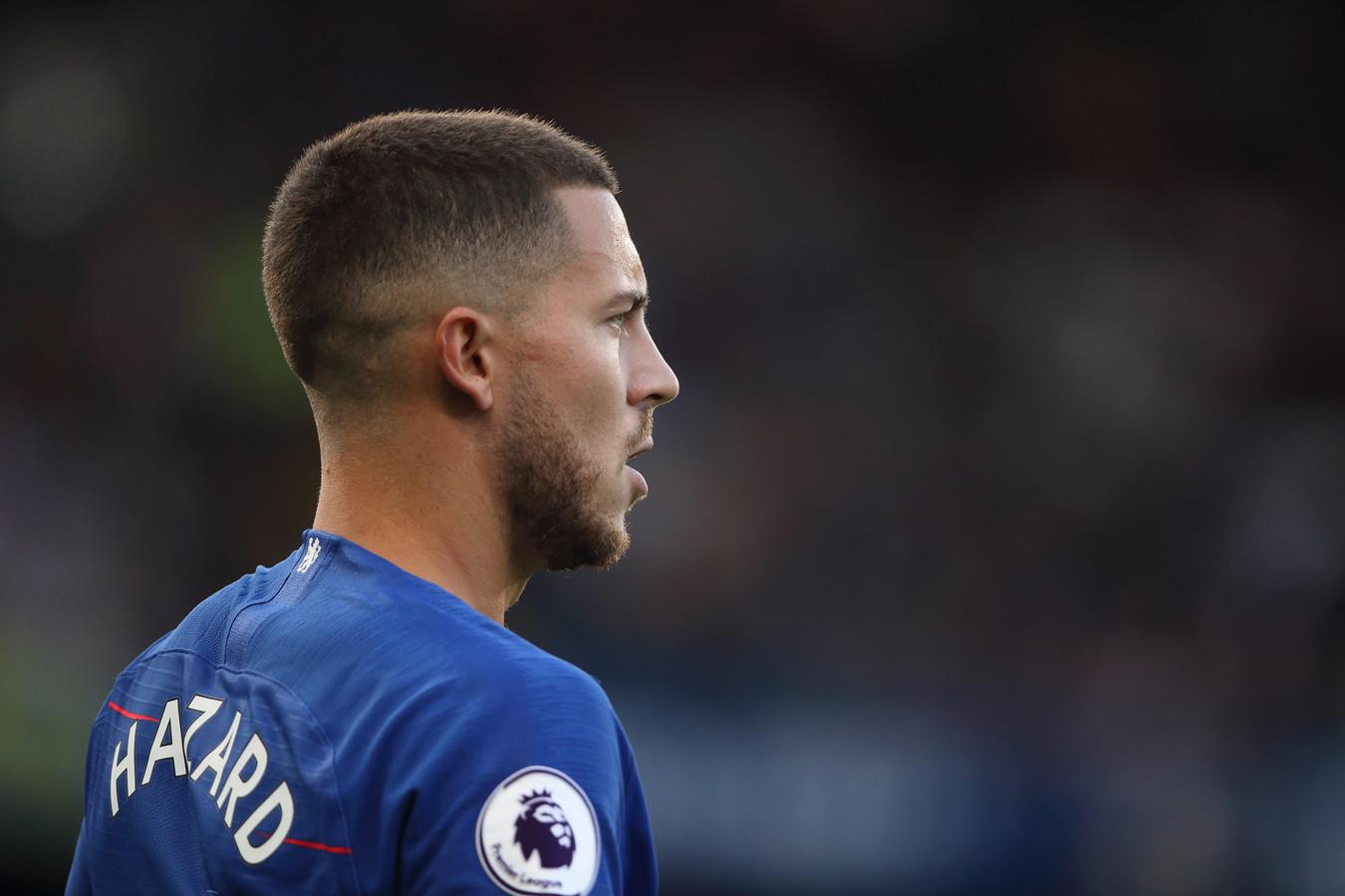 Eden Hazard belooft bij Chelsea te blijven.