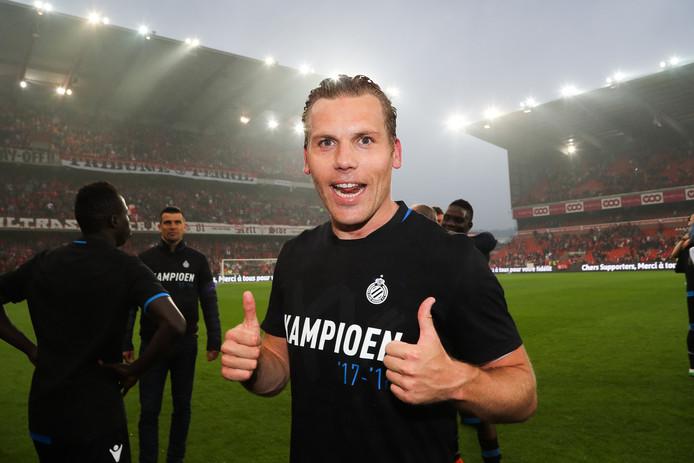 Ruud Vormer viert het kampioenschap met Club Brugge. De dertigjarige middenvelder was dit seizoen goed voor 14 goals en 23 assists in 47 wedstrijden.