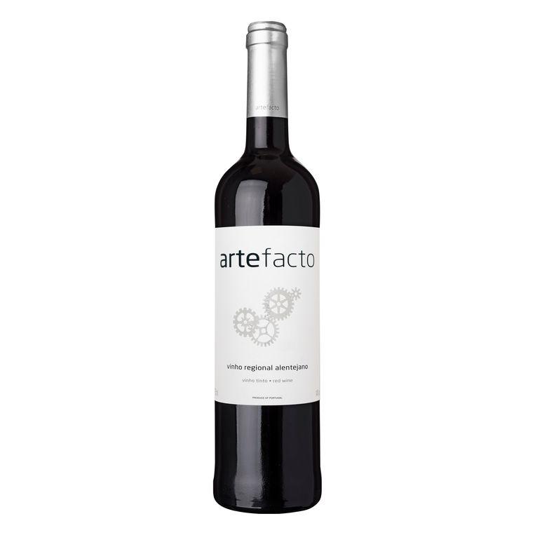 De Dona Ermelina van AH (€ 4,99) is ook al niet slecht, maar deze biedt meer. Ondanks een stevige 14 procent alcohol helder en betrekkelijk lichtvoetig, vleugje houtrijping (voor dat geld!). Dubbeltjes en eerste rangen, lezers. Of nou ja, stalles.  Artefacto 2017, Alentejo Albert Heijn, € 7,99 (bonus € 5,99) Beeld