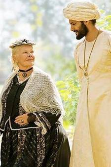 Judi Dench is in topvorm in royaltydrama Victoria & Abdul