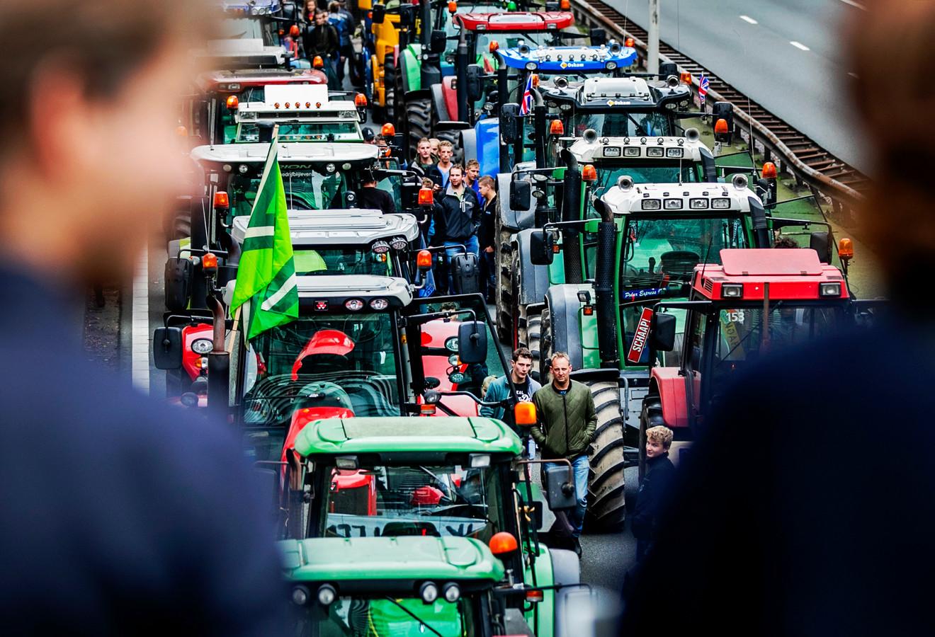 Boerenprotest tegen het stikstofbesluit op de A12 in oktober.