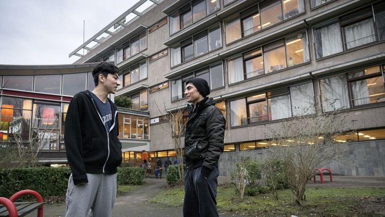 De Schipluidenlaan in Nieuw-West is een van de opvanglocaties voor vluchtelingen in Amsterdam Beeld Rink Hof