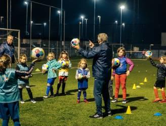 """Voetbalclub Ik Dien maakt meisjes warm voor voetbal: """"In januari starten we met onze derde meisjesploeg"""""""