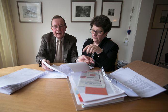 Bert van 't Laar en Trudy van Helmond. Beiden maken zich sterk voor het recht van ouderen en zieken op goede huishoudelijke ondersteuning van gemeenten (WMO).