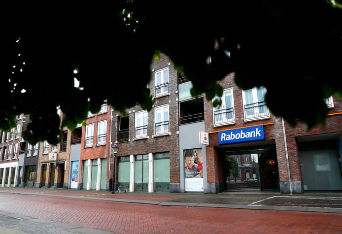 De beroofde Rabobank aan de Kade in Oudenbosch.