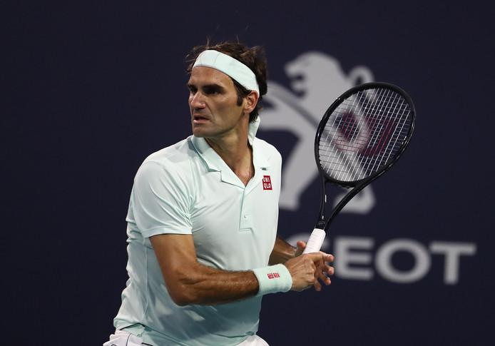 Roger Federer s'ajoute à la longue liste des sportifs déterminés à apporter leur pierre à l'édifice de la lutte contre le coronavirus.