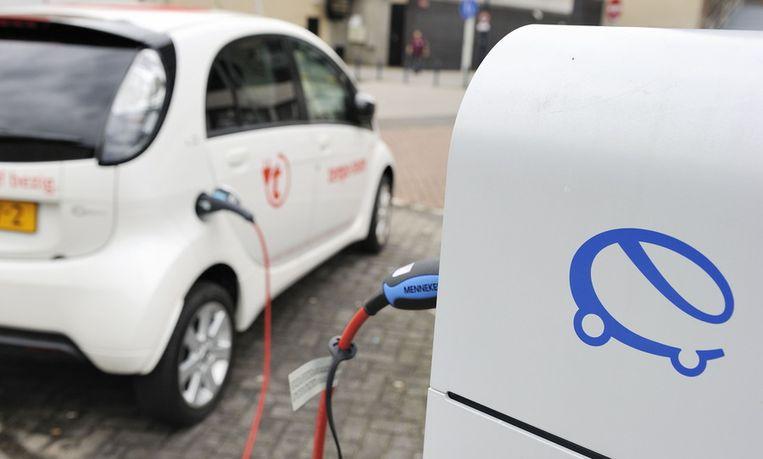 Aantal Oplaadpunten Voor Elektrische Auto S Stijgt Maar Voor Hoe