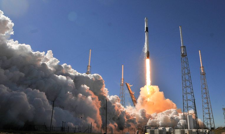 De Dragon is woensdag met een Falcon-9 draagraket vanop Cape Canaveral naar het ISS geslingerd.