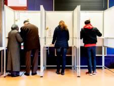 Stel betrapt op samen stemmen op Kanaleneiland
