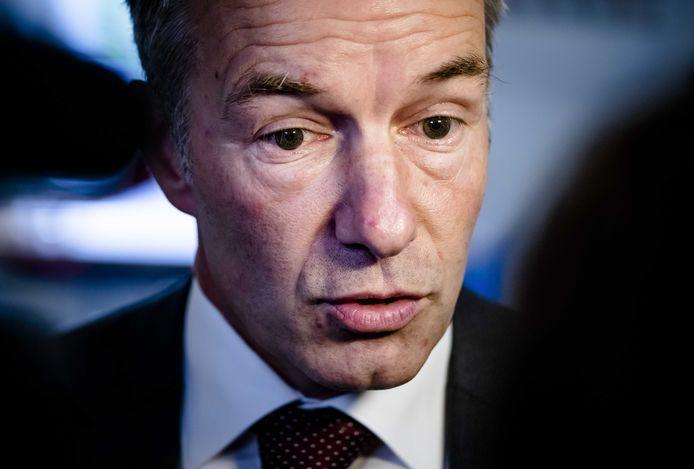 Wybren van Haga in gesprek met de pers nadat hij zojuist uit de VVD fractie is gezet.
