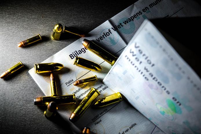 Een Gestelaar moest zijn wapenvergunning inleveren nadat zijn revolver werd gestolen door zijn zoon.