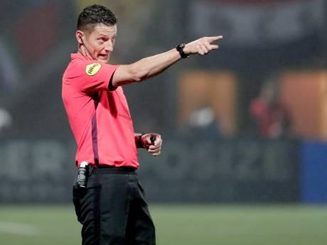 Houtenaar Jeroen Manschot fluit FC Groningen - Feyenoord