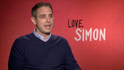 """'Love, Simon'-regisseur Greg Berlanti: """"Je vindt pas aansluiting als je helemaal jezelf durft zijn"""""""