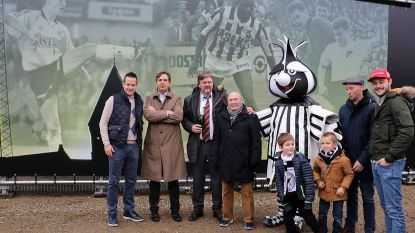 Gilles De Bilde en Gaston Van Der Elst op 'Wall' aan de achterzijde van de staantribune