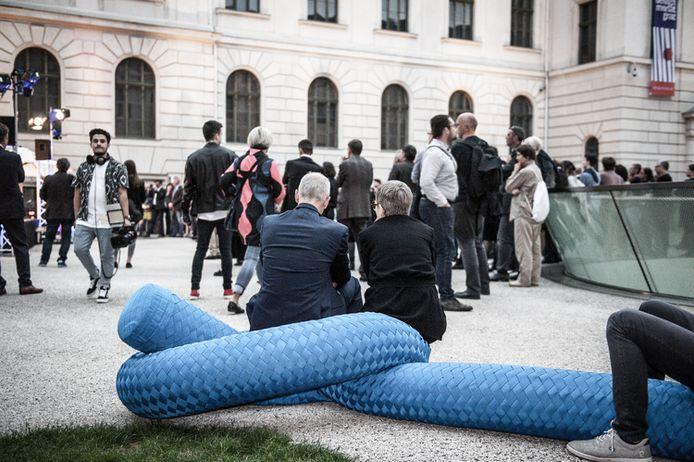 Rope zal ook op het Blauwputplein dienen als zitelement.