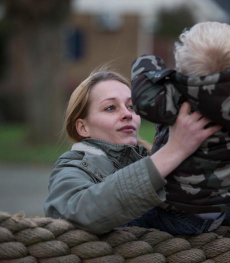 Waarom zijn er zoveel tienermoeders in Flevoland?