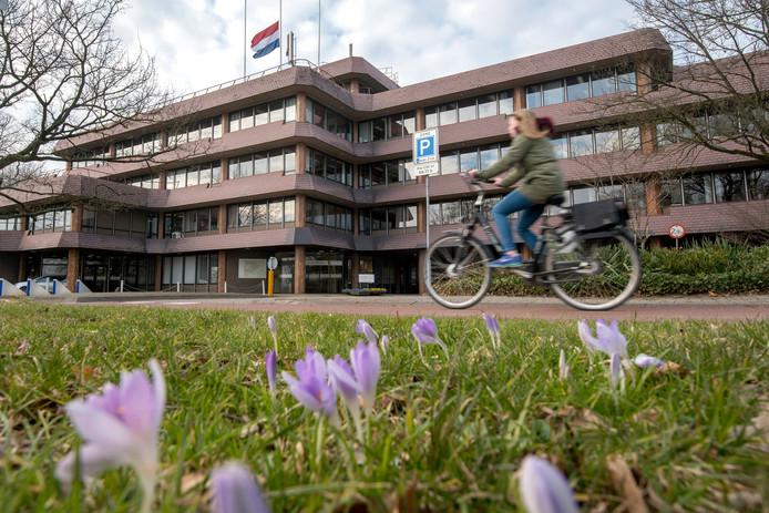 De gemeente Rheden (op de foto het gemeentehuis) heeft ten behoeve van de circulaire inrichting van de Zuidflank Rheden een marktconsultatie gehouden.