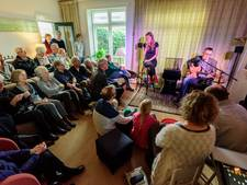 Gluren bij de Buren maakt theatertjes van Nijkerkse huiskamers