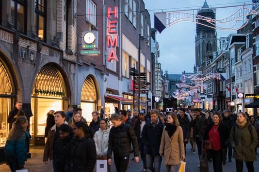 7d9dca715c5 Kerst zorgt voor grote drukte in Utrechtse binnenstad: 'Het is ...