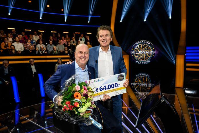 Kees uit Hoogland, samen met presentator Robert ten Brink.