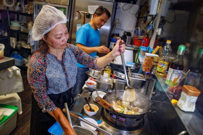 Bij Thai Lan staan pa en ma Nguyen in de keuken en is dochter Mimi de gastvrouw.
