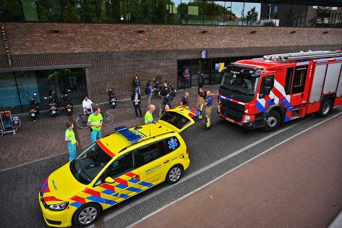 Hulpdiensten opgeroepen voor melding stankoverlast op station Breda.