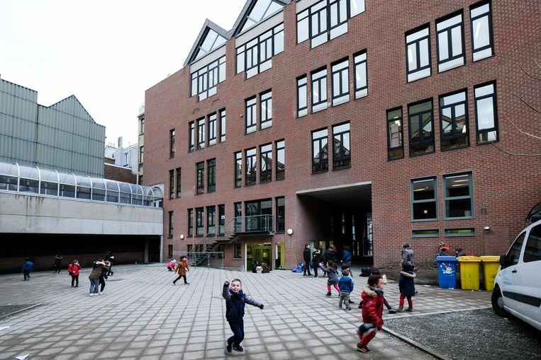 Het nieuwe schoolgebouw aan de Fernand Bernierstraat.