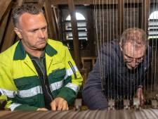 Oudste nog klinkende carillon in Zierikzee weer bij de tijd