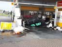 De ravage bij het tankstation bij Kesteren