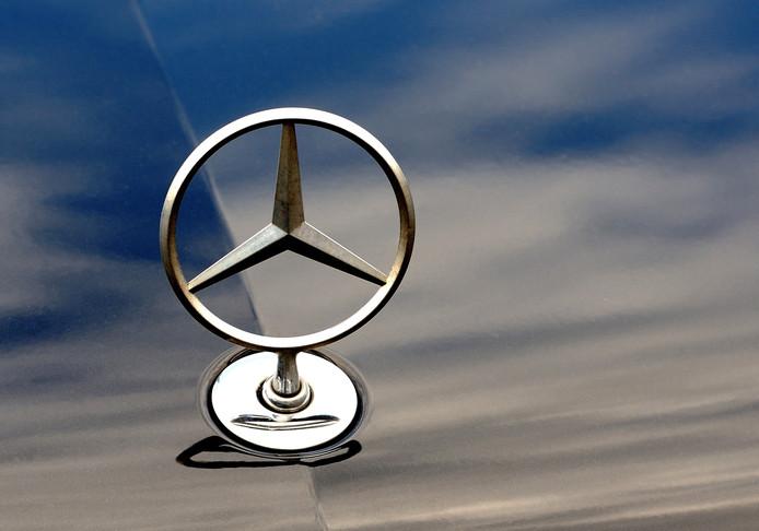 Volgens de verdachte had hij niets met de diefstal te maken, maar zou hij de Mercedes voor 400 euro naar Polen moeten rijden.